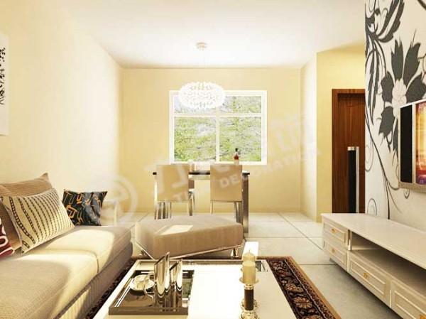 卧室左侧是厨房,厨房附带了一个小的阳台。厨房下侧是卫生间。
