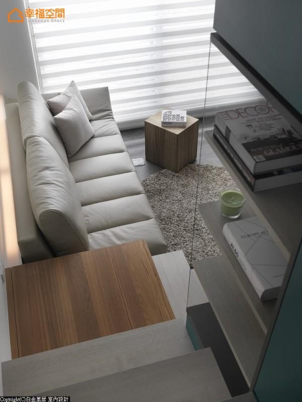 生活与空间-想象窝在沙发上看电视,或是在吧台前享用一份佳肴,甚至随手洗好了污衣,7坪小空间的生活也能这样简单。