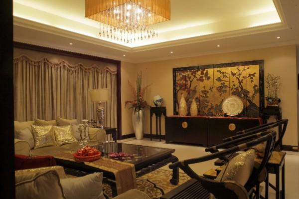 尽管统一的交楼标准已经完成,留给室内设计师做设计的空间,只有家具、灯具、软饰与艺术陈设了。