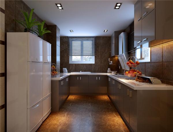 厨房的设计在注重实用的同时,更注意视觉品味的营造。  亮点:颜色对比产生的视觉品味