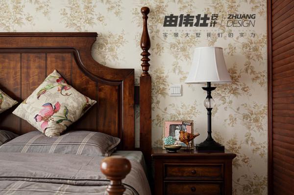 主卧室床头设计