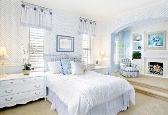 田园风格的卧室一直带给人独特的视觉感受。在色彩运用上,习惯选择色彩柔和高雅的浅色调。