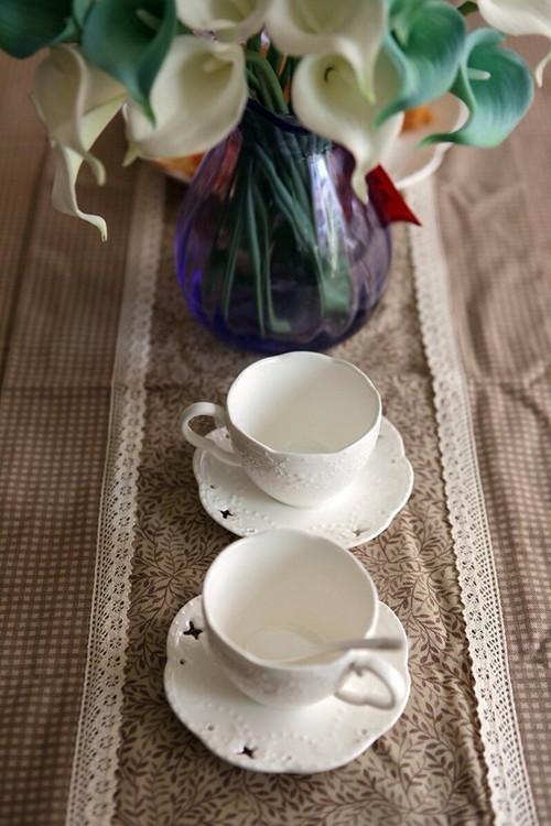 """""""咖啡餐布,咖啡杯,咖啡色的生活静谧而休闲。"""""""