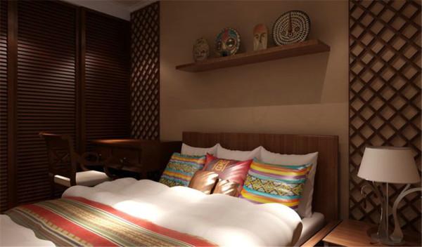 没有完全封闭的卧室让人或多或少没有安全感,于是整体用色更趋于深沉,但饰物和床品就可以更加绚丽多姿,用造型和色彩的碰撞,调出想要的生活情调。