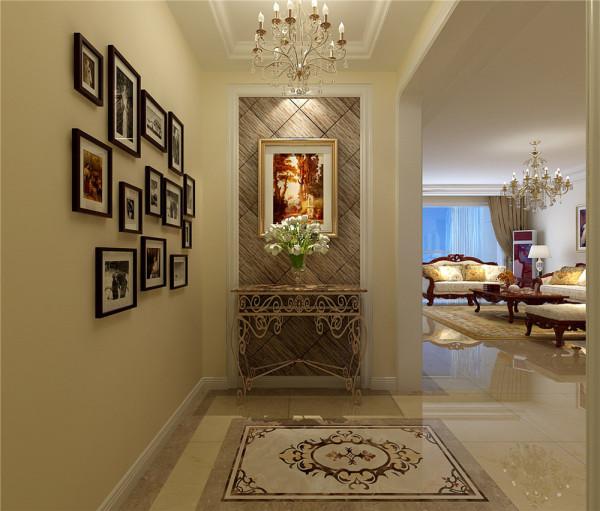 门厅改变了传统进门是鞋柜的观念,利用沉稳庄重的大理石玄关背景墙,古典华丽的地面拼花,展现了主人的高贵,而典雅生活 亮点:地面拼花,玄关