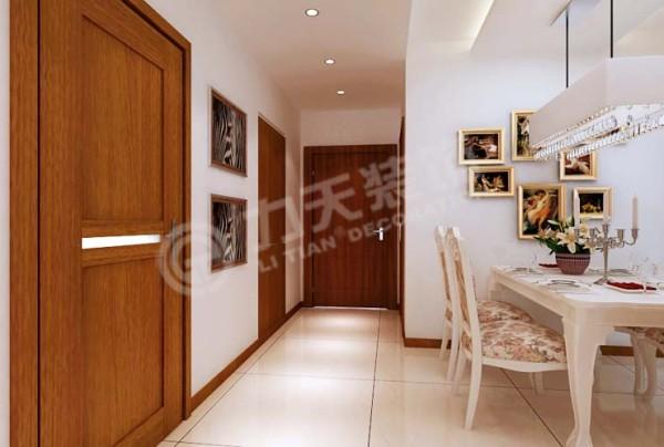 餐厅对应着厨房和主卧,简单大方,设计起来得心应手。