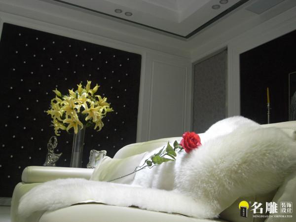 白色软包家私沙发