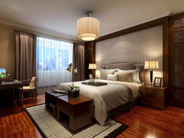 卧室选用了中式木质格纹结合的线条,流畅的软包床头背景,色彩浓重而成熟,细节富有变化,为居室增添了独特的韵味。
