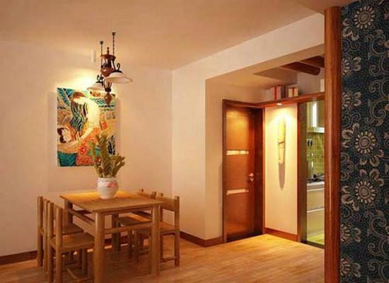 餐桌同样用原木,和木地板的色调形成统一。