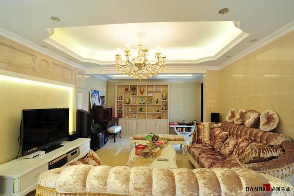 名雕丹迪设计-锦绣花园别墅-简欧风格二楼家庭厅:作为家居休闲使用,整个空间更多考虑功能性与舒适性。