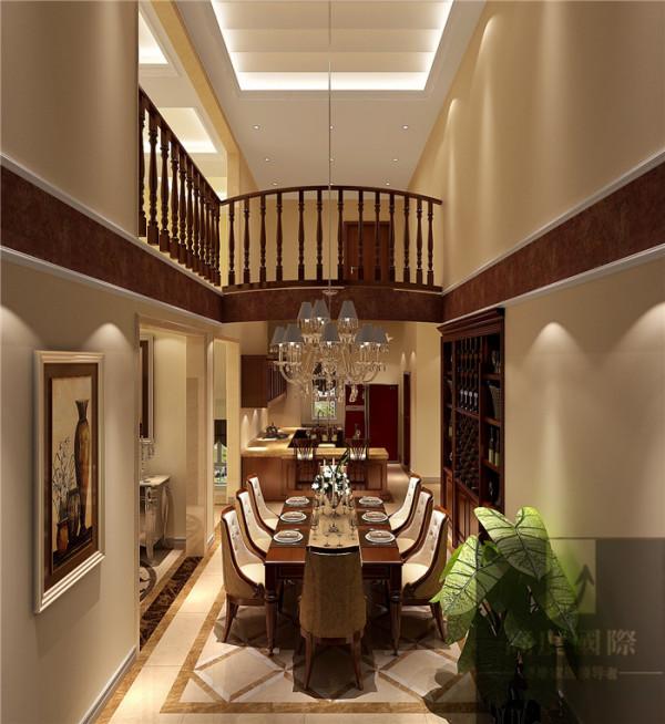 本设计根据业主需求、喜好与设计师对整个小区风格的把控,设计风格定为欧式风格 香江别墅案例,整套风格理念中融入了大量的欧式元素。