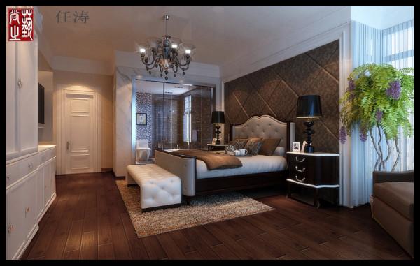 3、卧室:这是一个温馨雅致的空间,粉色的墙面,团花的床头壁纸,以及衣柜门藤蔓花纹,当暖暖的阳光从白色的纱幔中投泻在床上,美丽的人生即时显现。