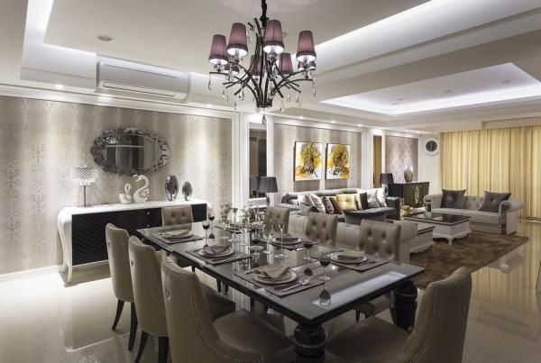 春雨设计以造型矮餐柜取代传统高柜设计,与威尼斯镜共塑宴会厅的华美气度。