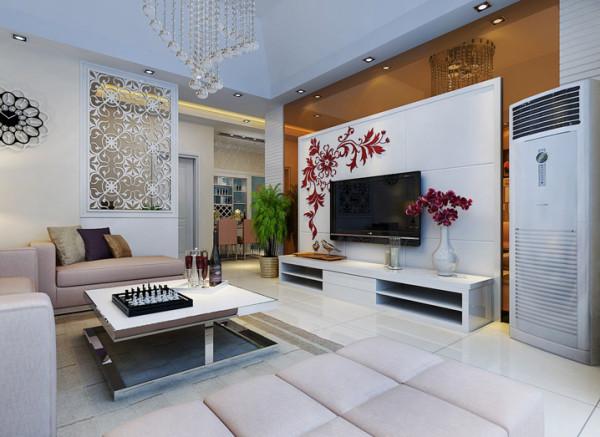 茶色的镜子扩大了客厅的视觉效应。客厅顶部挑高的斜顶设计让空间感更强烈。