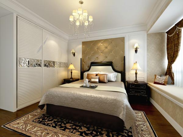 华润橡树湾130平米卧室装修效果图,床头做的软包。