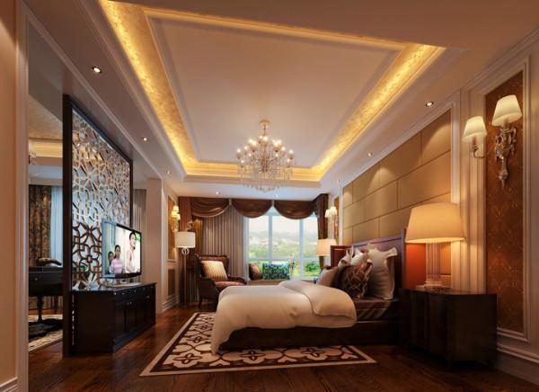 主卧床头背景将窗帘盒延伸,将零碎的空间粘合为一体。书房与主卧室做成套间,花格屏风隔断保持统一性之余又能得到绝对性的静谧。 卧室的陈设可以直接反应出设计师要向人们诠释的生活态度和生活方式。