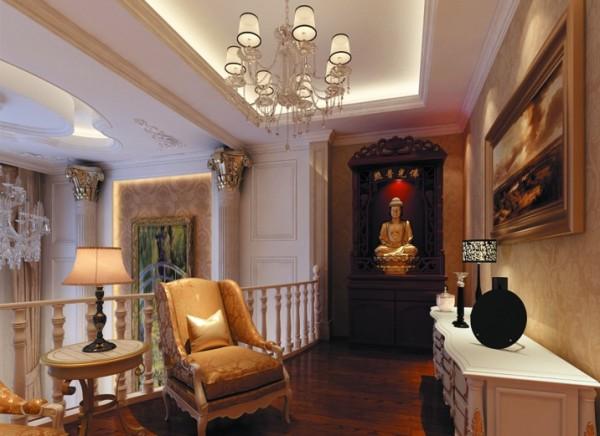 二楼平台 合理利用空间 设立理念:地面选用深色的地板,墙面的壁纸选用暗黄色,摆上欧式的桌椅,每一处都显得既低调又奢华。