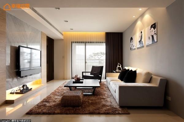 加大了落地窗宽幅,引进大量阳光、带起通风性,设计师黄翊峰甚至还做起了户外造景。