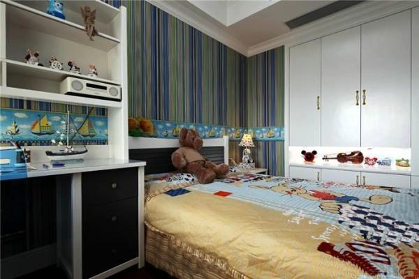 地中海风格的摆件饰品点缀着卧室空间。