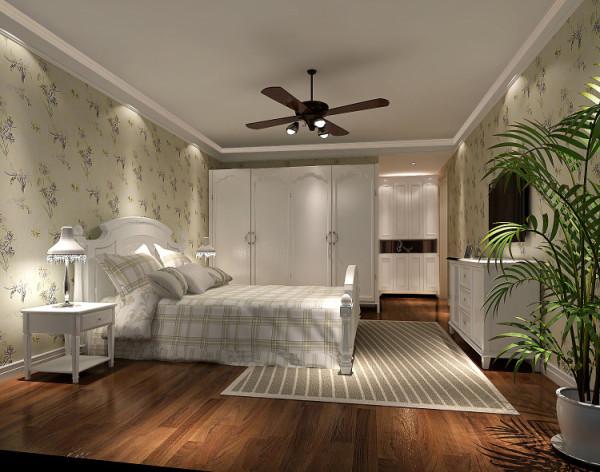 成人床多配以70cm左右高的床头柜和床尾凳方便起居,看空间大小配以恰当大小的 或三门或两门或四门的衣柜来收放衣物。配一休闲椅和小圆或小方几,造型优雅的田园台灯是必不可少的配角。