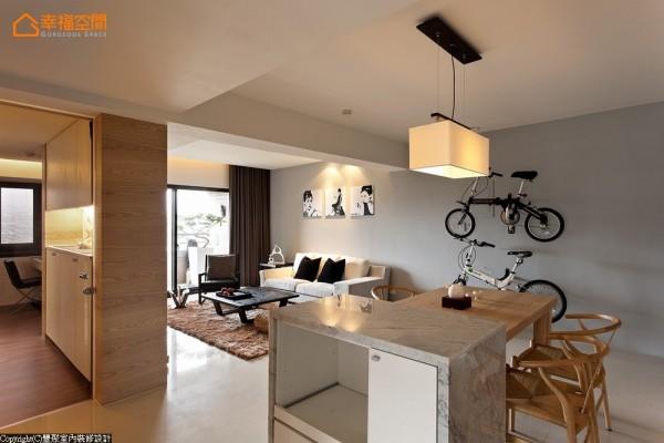 完全开放式的餐厨空间,玉润材质混搭上木作制成的餐橱柜,兼具着备餐台功能。