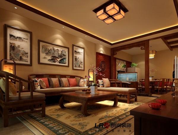 中式风格的客厅具有内蕴的风格,沙发的颜色体现着中式的古朴,墙壁上的字画无论数量还是内容都不在多,而在于它所营造的意境。舒缓的意境始终是东方人特有的魅力。这样躺在舒服的沙发上,任千年的故事顺指间流淌。