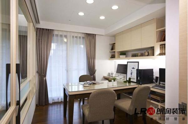 书桌与书柜成垂直角度,增加空间实用率!