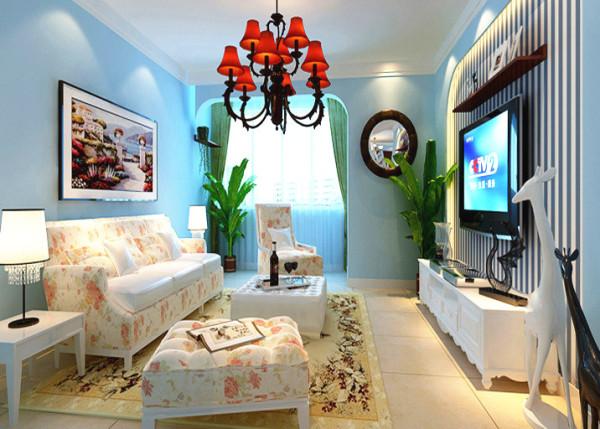 协调的电视背景墙造型及配套的墙面壁纸,使得客厅区域整体大气!白色的电视柜不落于俗。 亮点:运用条形的壁纸点缀电视墙,体现地中海人的惬意生活。