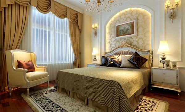 卧室作为客户的私密空间,主要以功能性和实用舒适为考虑的重点,背景墙中融入的软包的工艺,更加体现出卧室的舒适性。整体的家具与装饰效果,体现出卧室的作用和设计师对风格的把控。