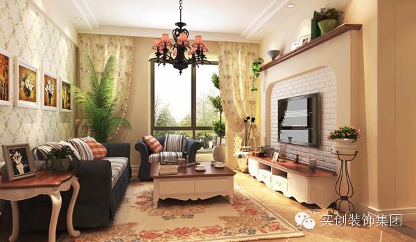 客厅是家人聚集的主要活动空间,本案主要营造的是一种温馨、舒适的环境,所以在造型的设计上采用弧线设计,在材质的运用和色彩的搭配上多做了一些文章