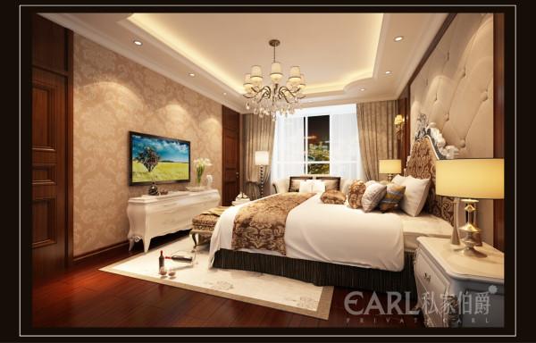 装饰在材料运用上,更是让普通的材料做出来特殊的效果,空间也显得奢华起来了。