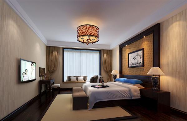 通过装饰画在色彩上增加亮色,以画龙点睛,带来活泼生气,凭添音乐的跳跃感。 卧室:这个空间都是暖色调。这样的色调使人们一进入空间就产生家的感觉,感觉到家的温暖、舒心。棕色的实木家具是整个空间色彩中的重点