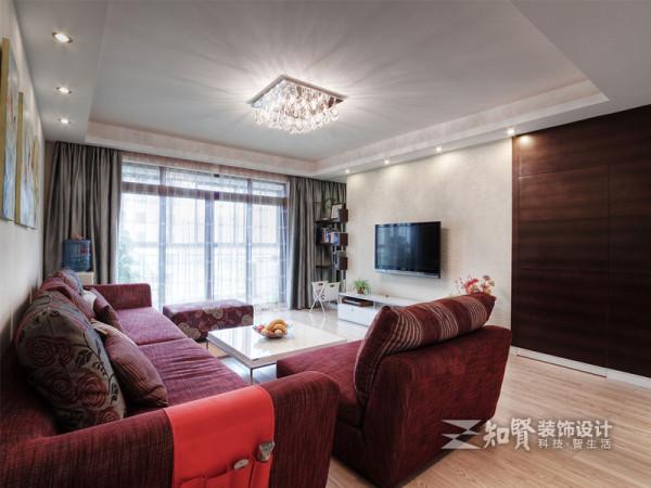 入门处设置客厅,能最大限度的拓宽视线,增强空间的径深感;所以客厅的设计显得极为重要,它能影响主人的心情,亦能彰显主人的品味