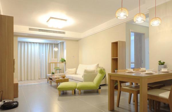 进门首先映入眼帘的是客厅,整体风格是日式清新感觉