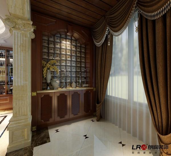 阳台的一个角落,做了一整排的矮柜,便于储物,设计细心温暖。