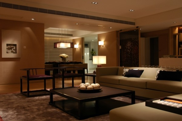 """使室内空间互动起来,相互借景,极大地增强视线的可达性,合理演绎建筑的使用功能,创建一个""""好用""""的合理空间,比华丽的装饰重要。"""