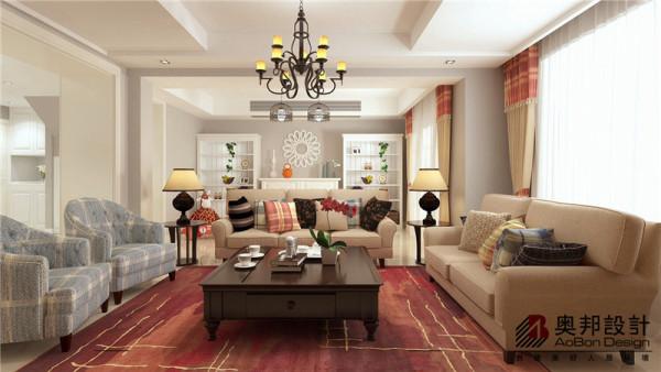 简约但充满温馨,这是该案例的一大亮点,客厅舒适的沙发暖色调地板略显美式雅韵