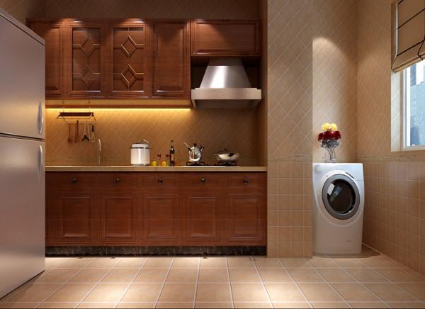把厨房门改成开放式推拉门,整个客厅空间彰显大气,在用古典