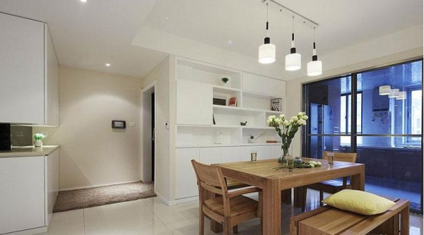 鹭湖宫七区-二居室-86.74平米-餐厅装修设计   家具选择上强调让形式服从功能,一切从实用角度出发,废弃多余的附加装饰,点到为止