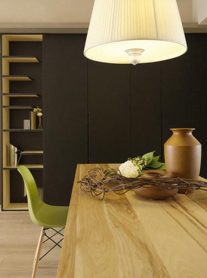 以质地特殊的黑板漆作为面材,展现独一无二的雅致风韵。