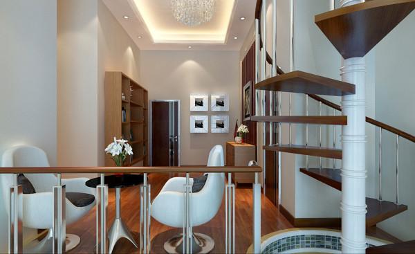 水晶吊灯式一种由人工水晶制成的吊灯,具有华丽,高贵的特点。旋转楼梯的曲线与木质背景地板的结合