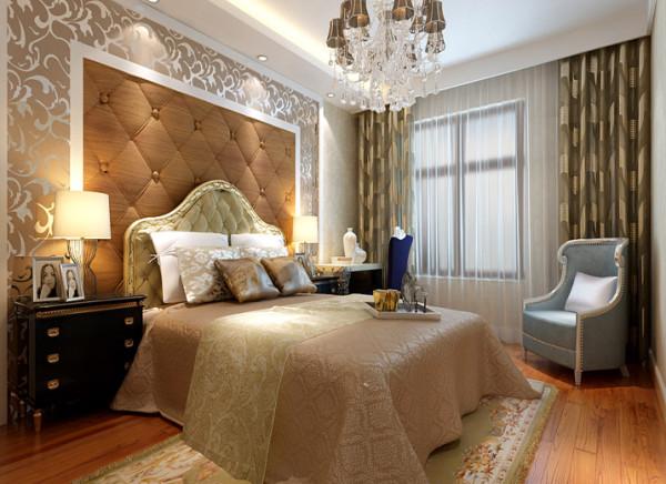 卧室墙头背景同样选用的是深咖色软包搭配石膏板造型,与客厅保持协调一致。在窗帘的选择上,选用深红色暗花窗帘加窗帘曼,温馨舒适,质感十足