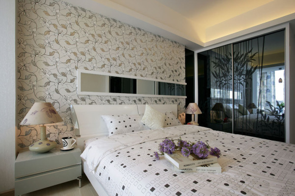 米色调为主,无拘无束自由状态显示,灰色钢化玻璃有效的增加了空间感。