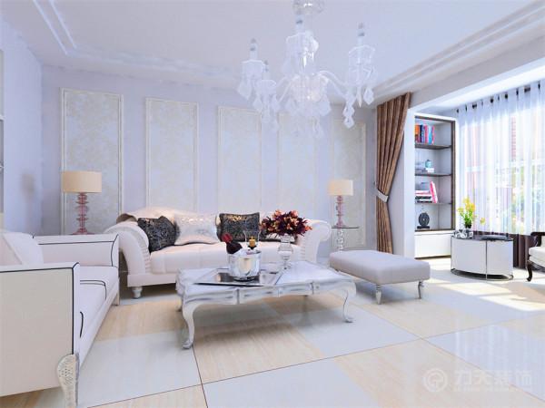 沙发背景墙运用欧式线条和乳白色壁纸的结合。客厅的沙发也选用了简欧白色。低调大方。