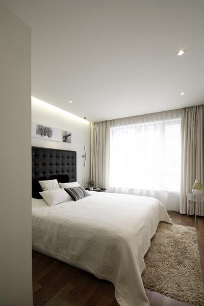 保利罗兰---三居室卧室效果图展示