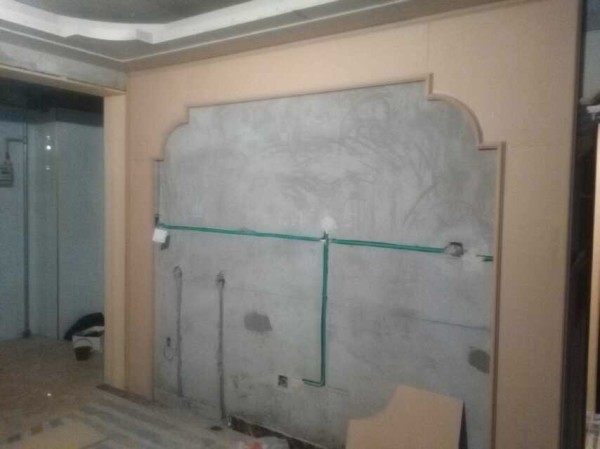 清华紫光苑123平欧式施工实景-电视背景墙