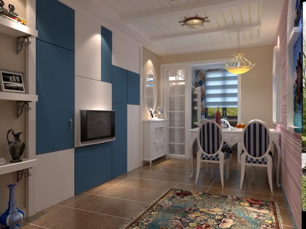 客厅主要做的就是卫生间的隐形门,因为电视背景墙本身不大,那还有一个卫生间的门,因此采用了隐形门,与背景墙融为一体。