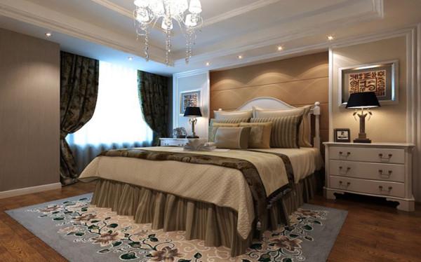 欧式风格的卧室 软包与护墙板结合,搭配深色壁纸,让空间比例更加和谐,家庭氛围更好。