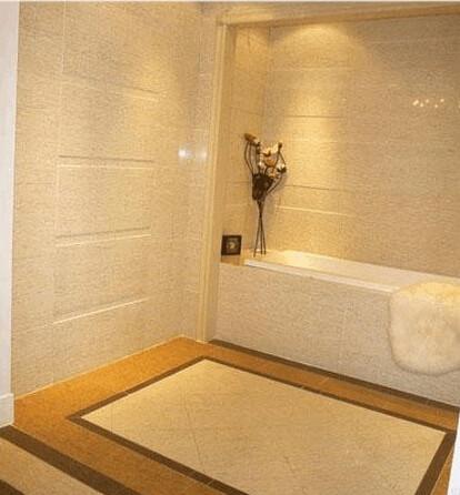 倒的角,把砖给凸出来了,很有立体感,适合用作马桶背景或淋浴背景。