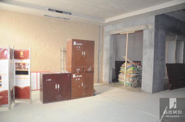 工人工具整理,砌墙。